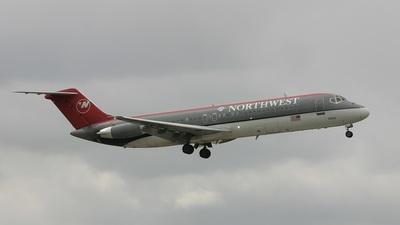 N8934E - McDonnell Douglas DC-9-31 - Northwest Airlines