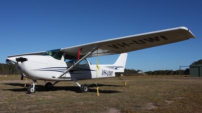 A picture of VHUWI - Cessna 172N Skyhawk - [17267681] - © David Knudsen