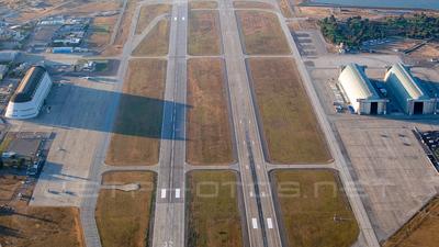 KNUQ - Airport - Runway