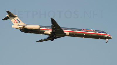 N207AA - McDonnell Douglas MD-82 - American Airlines