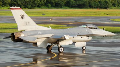 641 - Lockheed Martin F-16C Fighting Falcon - Singapore - Air Force