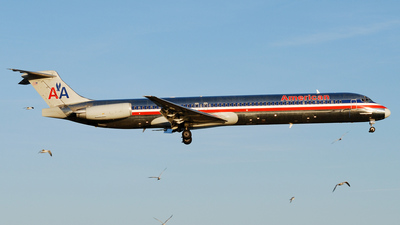 N450AA - McDonnell Douglas MD-82 - American Airlines