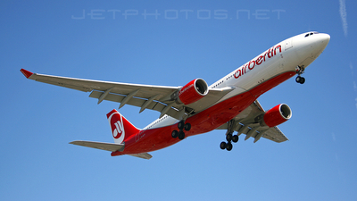 D-ALPI - Airbus A330-223 - Air Berlin (LTU)
