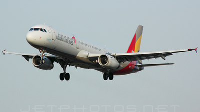 HL7711 - Airbus A321-231 - Asiana Airlines