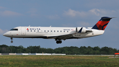 A picture of N847AS - Mitsubishi CRJ200ER - [7335] - © DJ Reed - OPShots Photo Team