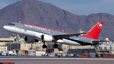 N339NW - Airbus A320-212 - Northwest Airlines