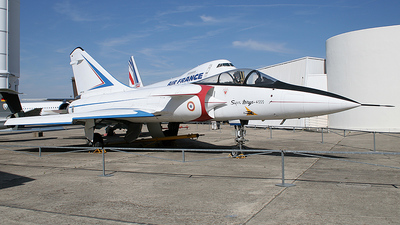 01 - Dassault Super Mirage 4000 - France - Air Force