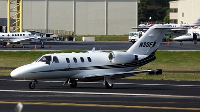 A picture of N33FW - Cessna 525 CitationJet CJ1 - [5250203] - © PeachAir