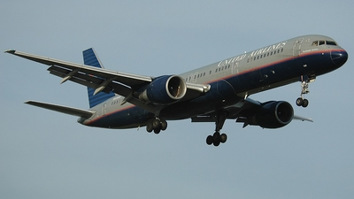 N530UA - Boeing 757-222 - United Airlines