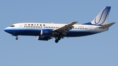 N382UA - Boeing 737-322 - United Airlines