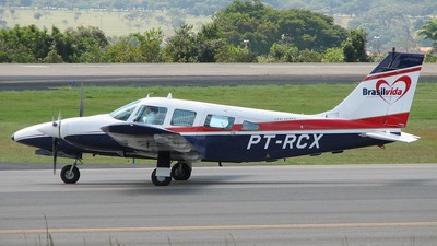 PT-RCX - Embraer EMB-810C Seneca II - Brasil Vida Táxi Aéreo