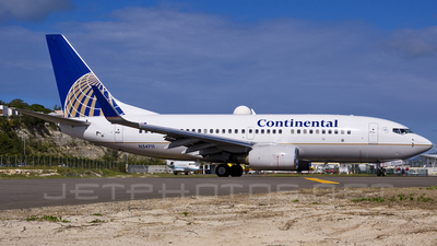 N54711 - Boeing 737-724 - Continental Airlines