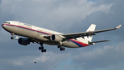 9M-MKR - Airbus A330-321 - Malaysia Airlines