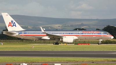 N687AA - Boeing 757-223 - American Airlines