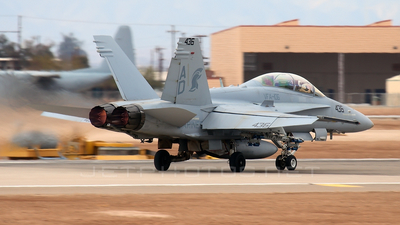 164053 - McDonnell Douglas F/A-18D Hornet - United States - US Navy (USN)