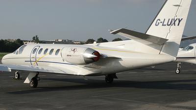 A picture of GLUXY - Cessna 551 Citation IISP - [5510421] - © Simon Coates