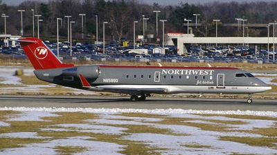N8588D - Bombardier CRJ-200ER - Northwest Jet Airlink (Pinnacle Airlines)
