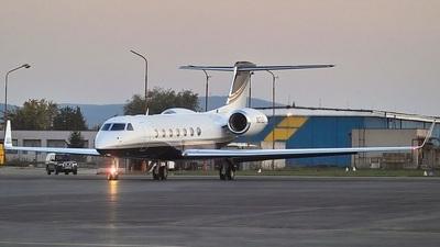 N572EC - Gulfstream G550 - FirstFlight