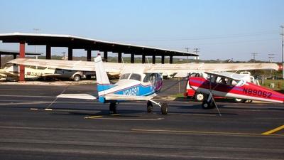 A picture of N2469Y - Cessna 172D Skyhawk - [17249769] - © RyRob