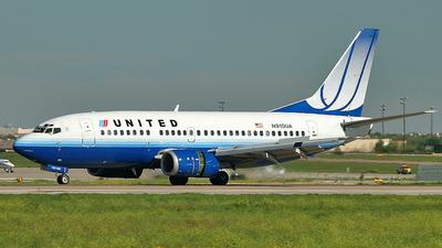 N910UA - Boeing 737-522 - United Airlines