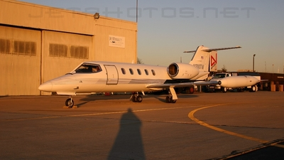N200TW - Gates Learjet 35A - Private