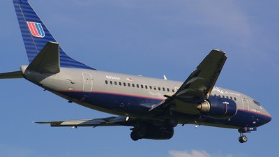 N934UA - Boeing 737-522 - Shuttle by United