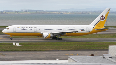 V8-RBF - Boeing 767-33A(ER) - Royal Brunei Airlines