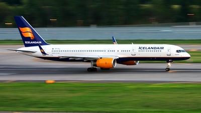 TF-FIJ - Boeing 757-208 - Icelandair