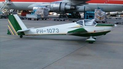 PH-1073 - Scheibe SF25C - Private