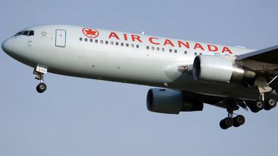 C-FMWU - Boeing 767-333(ER) - Air Canada