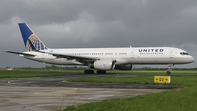 N19136 - Boeing 757-224 - United Airlines