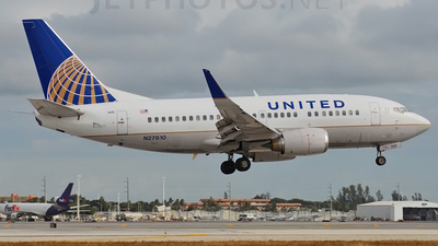 N27610 - Boeing 737-524 - United Airlines (Continental Airlines)