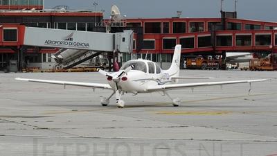 N677CD - Cirrus SR22-G2 - Private