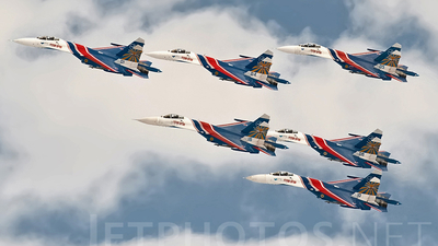 01 - Sukhoi Su-27 Flanker - Russia - Air Force
