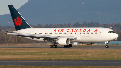 C-GAUN - Boeing 767-233 - Air Canada
