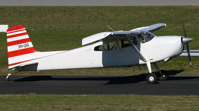VH-UIA - Cessna 180K Skywagon - Private