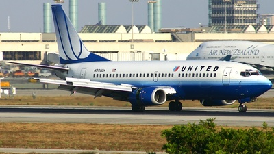 N376UA - Boeing 737-322 - United Airlines