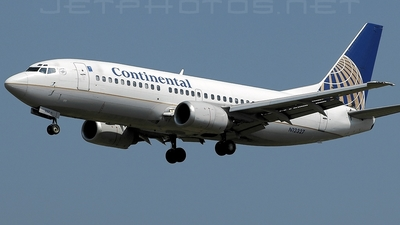 N12327 - Boeing 737-3T0 - Continental Airlines