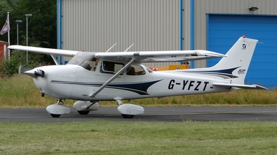 G-YFZT - Cessna 172S Skyhawk SP - Private