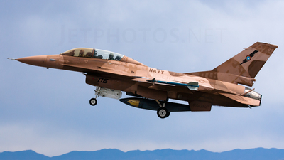 920460 - Lockheed Martin F-16B Fighting Falcon - United States - US Navy (USN)