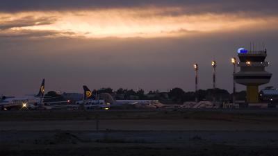 LPFR - Airport - Ramp
