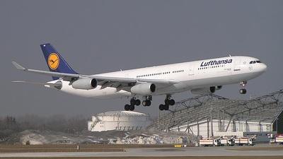 D-AIGK - Airbus A340-311 - Lufthansa