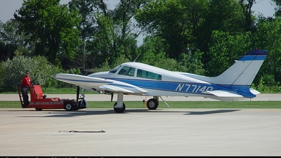 A picture of N7714Q - Cessna T310Q - [310Q0214] - © Piotr Rolek - Chicago Aviation Photography