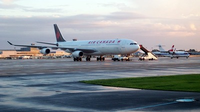 - Airbus A340-300 - Air Canada