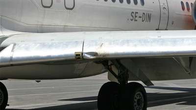 SE-DIN - McDonnell Douglas MD-82 - Scandinavian Airlines (SAS)