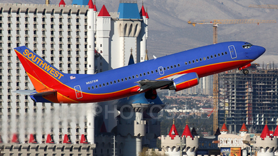 N627SW - Boeing 737-3H4 - Southwest Airlines
