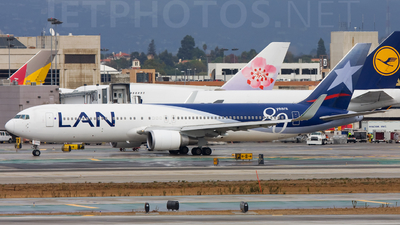 CC-CZW - Boeing 767-316(ER) - LAN Airlines