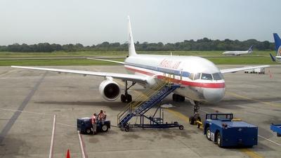 N619AA - Boeing 757-223 - American Airlines