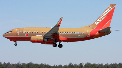 N752SW - Boeing 737-7H4 - Southwest Airlines