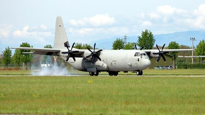 - Lockheed Martin C-130J Hercules - Italy - Air Force